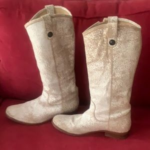 White distressed crackled Melissa Frye boot.